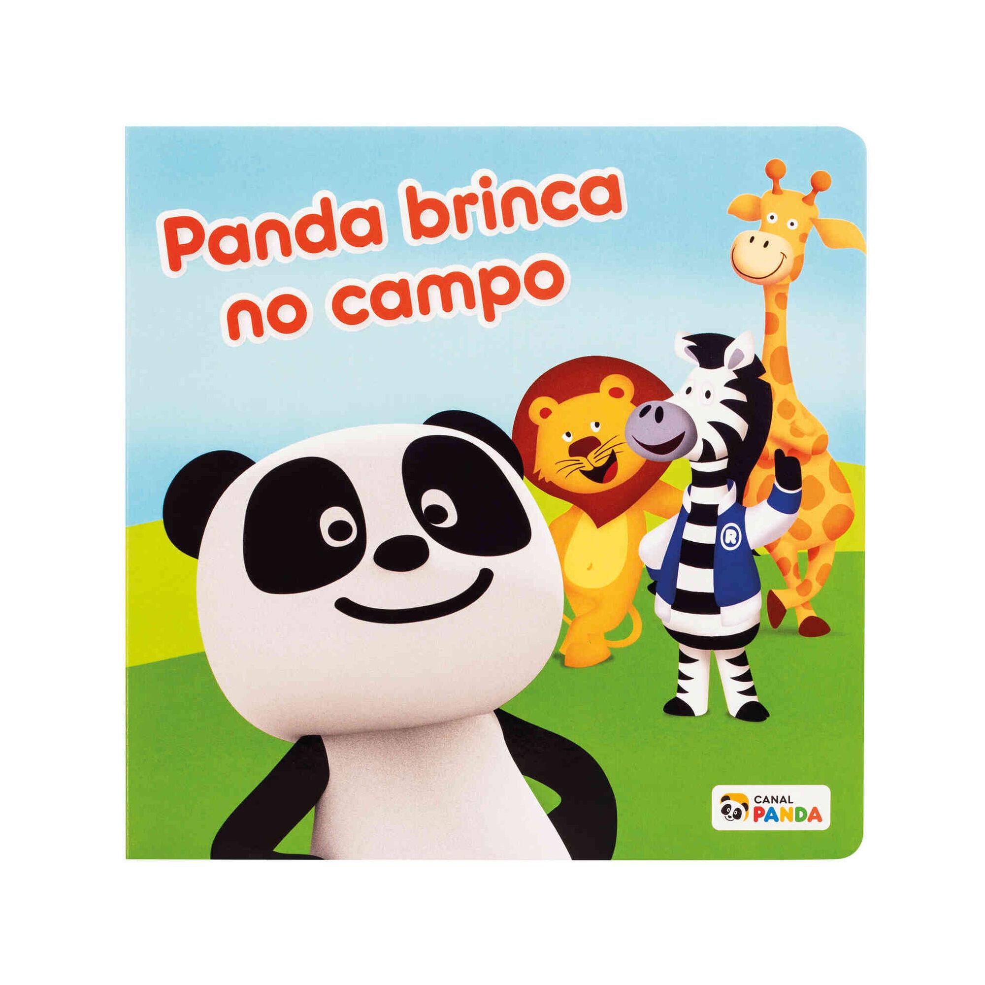 Panda Brinca no Campo