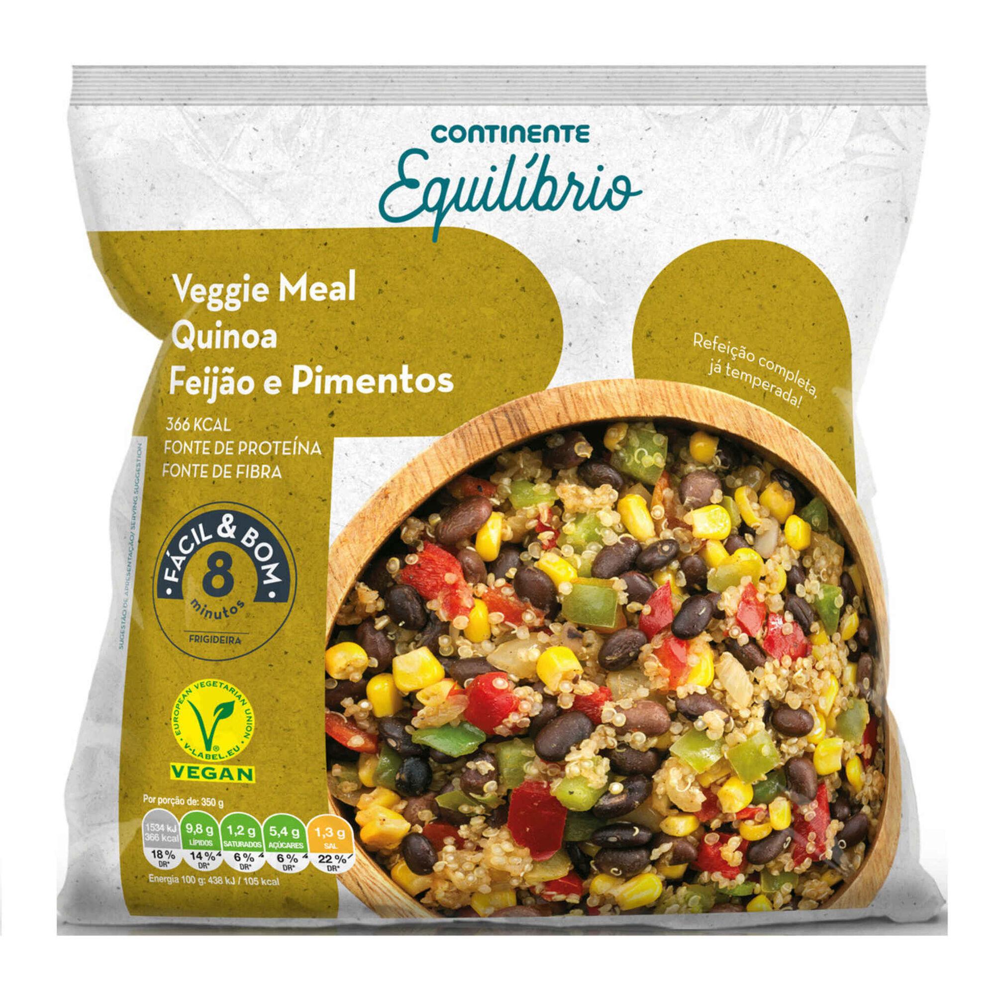 Refeição Vegetariana de Quinoa, Feijão e Pimentos